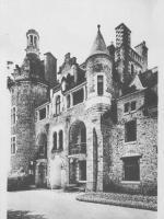 Le château reconstruit au XIXe siècle.