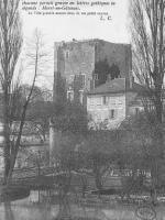Le Donjon de Moret est inscrit à l'inventaire supplémentaire des Monuments historiques en 1926.