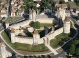 Le château de Blandy-les-Tours restauré.
