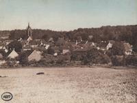 L'église et les habitations du village d'Amillis.