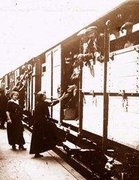 La mobilisation en 1914, le départ des trains