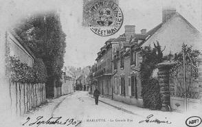 Vue de la rue Murger où Jean Renoir possède la villa Saint-El (à gauche) de 1922 à 1940.