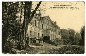 Le château de Sainte-Assise, devenu le centre radioélectrique en 1921.