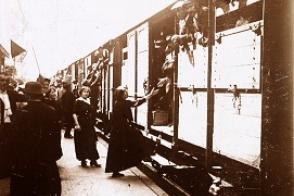 La mobilisation en 1914, le départ des trains.