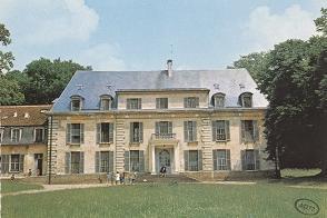Le château de Combault.