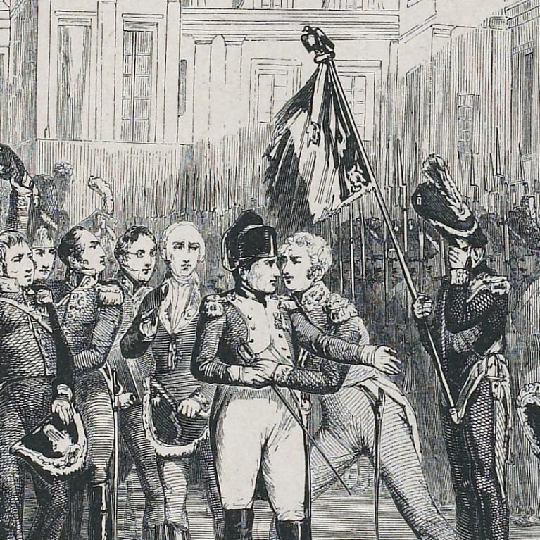 Dessin représentant les adieux de Napoléon aux soldats de la garde dans la cour du Cheval Blanc. Napoléon est entouré de soldats et de maréchaux. A droite, un soldat portant un drapeau surmonté d'un aigle se cache le visage. Le général Petit s'élance vers Napoléon qui le reçoit dans ses bras.