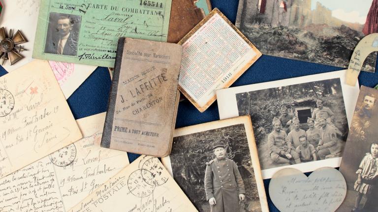 Pêle-mêle de documents familiaux de la Grande Guerre
