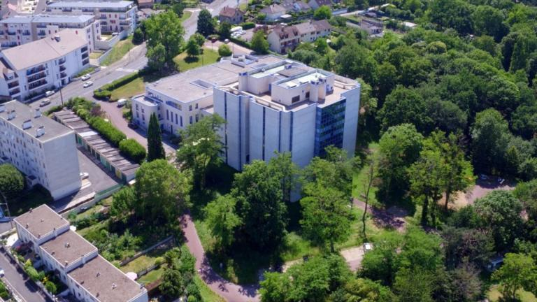 Vue aérienne du bâtiment des Archives départementales de Seine-et-Marne